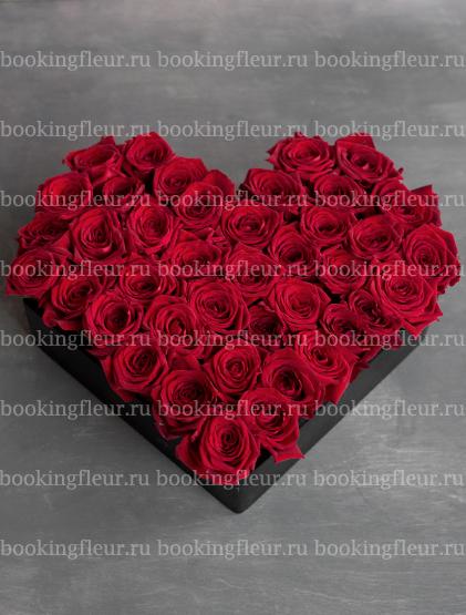"""Букет-сердце из красных роз """"Страсть"""""""