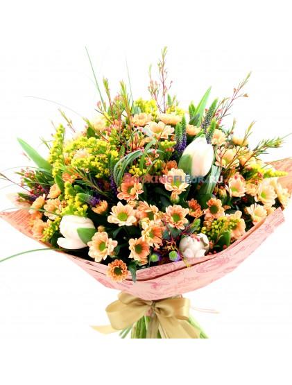 """Букет с тюльпанами """"Цветочное ассорти"""""""