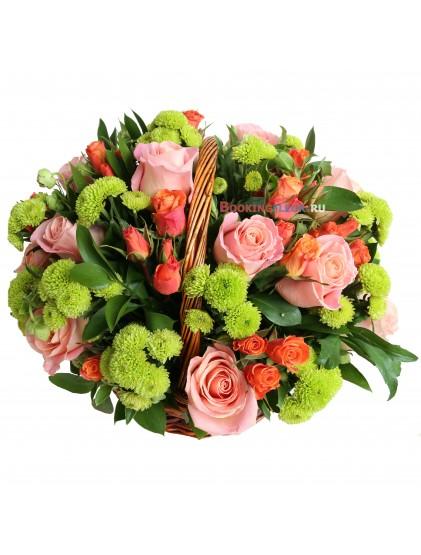"""Корзина с розами """"Цветочный луг"""""""